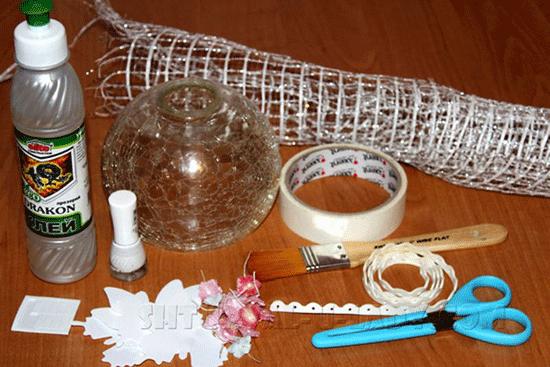 materialy-dlya-obnovleniya-plafonov-lyustry