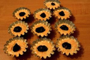 morkovnye-keksy-s-chernoslivom