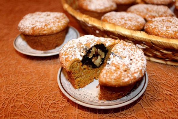 morkovnye-keksy-s-chernoslivom-i-orehami