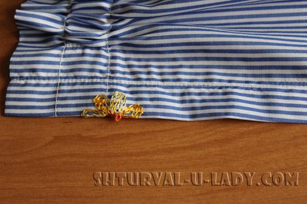 Простроченная планка-застежка на полочке платья