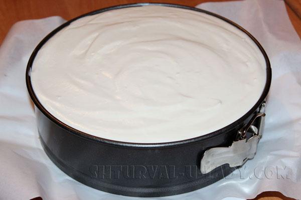 Сформированный торт Птичье молоко в кольце формы
