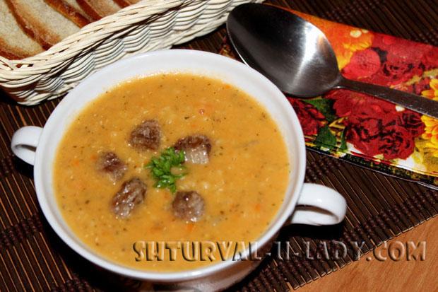 Чечевичный суп-пюре с мясом и зеленью