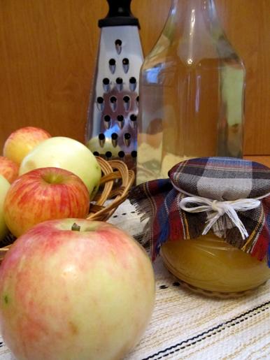 Уксус из яблок, мед, яблоки
