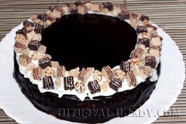 Декорированный торт Птичье молоко
