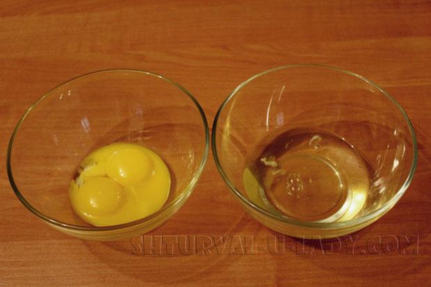 Отделенные яичные желтки и белки