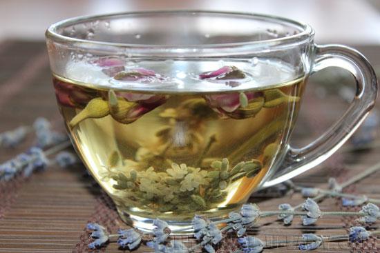 Травяной напиток из розы и лаванды