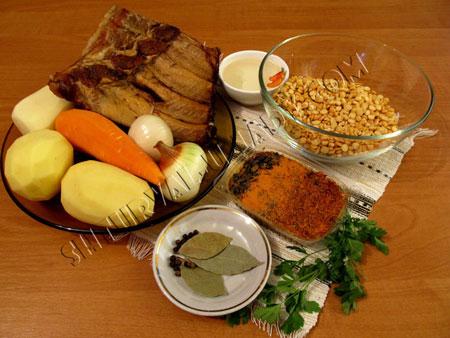 Продукты для горохового супа с копченостями