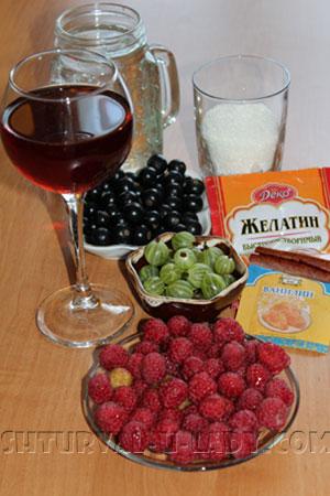 Бокал с вином, ягоды, сахар, желатин, ванилин