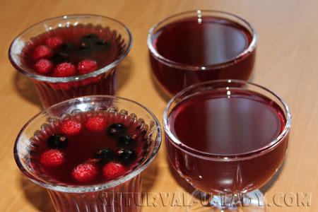 Винно-ягодное желе в креманках
