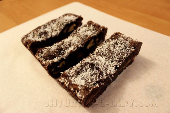 Нарезка брауни шоколадного