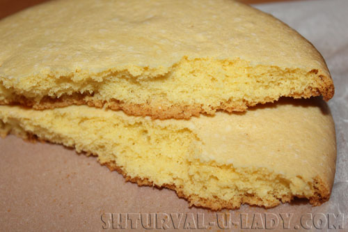 Поломанный бисквитный корж