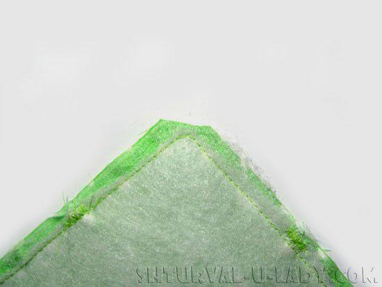 Обрезка уголков сухарницы