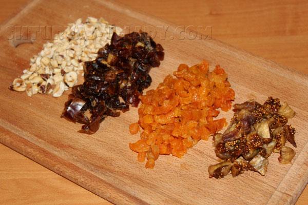 Нарезка сухофруктов и измельчение орехов для батончиков