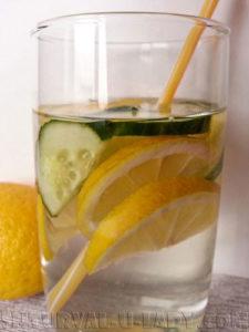 Детокс вода огурец лимон