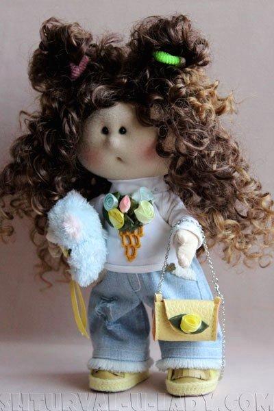 Текстильная кукла с игрушкой