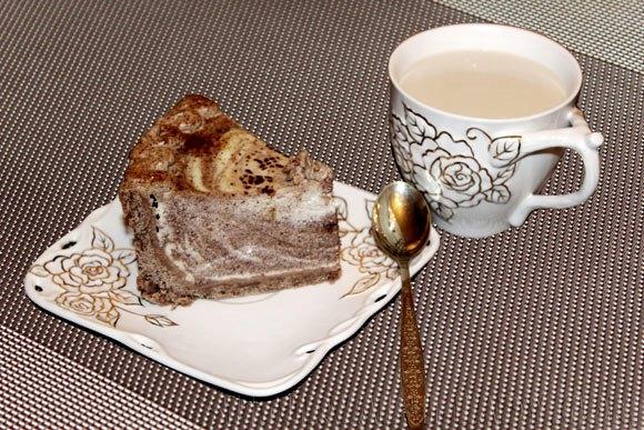 Чизкейк и кофе со сливками