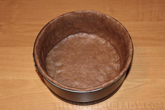 Выпечка шоколадного коржа из теста