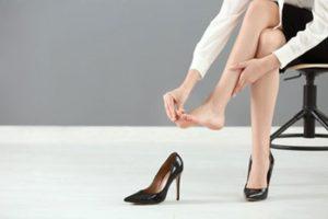 Массаж стоп уставших ног