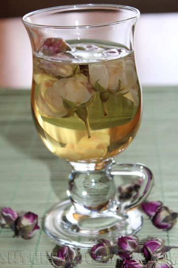Напиток из чайной розы