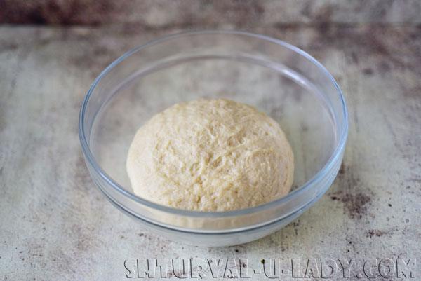 Замешенное тесто дрожжевое