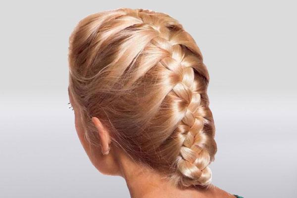 Коса-колосок по центру