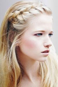Ободок-коса из волос