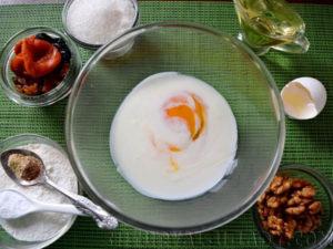 Яйцо с кефиром для теста