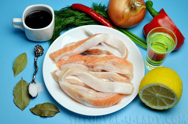 Продукты для салата с лососевыми брюшками