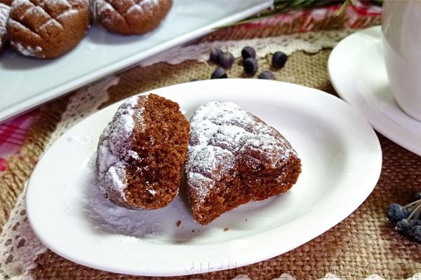 Поломанное шоколадное печенье