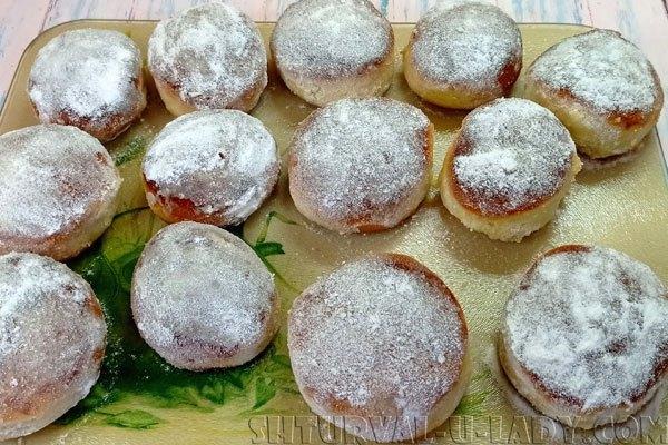 Булочки посыпанные сахарной пудрой