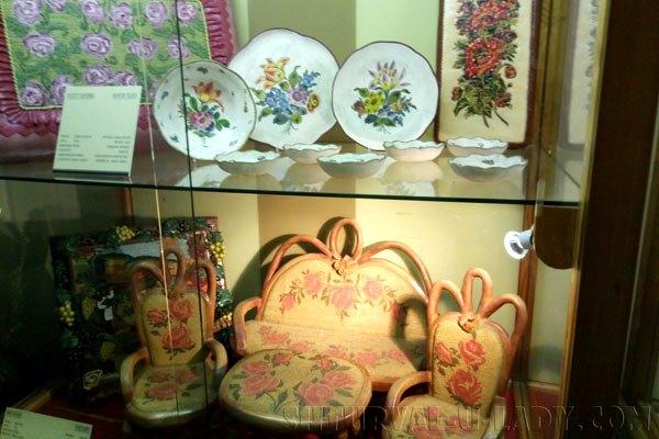 Мебель и посуда из марципанов